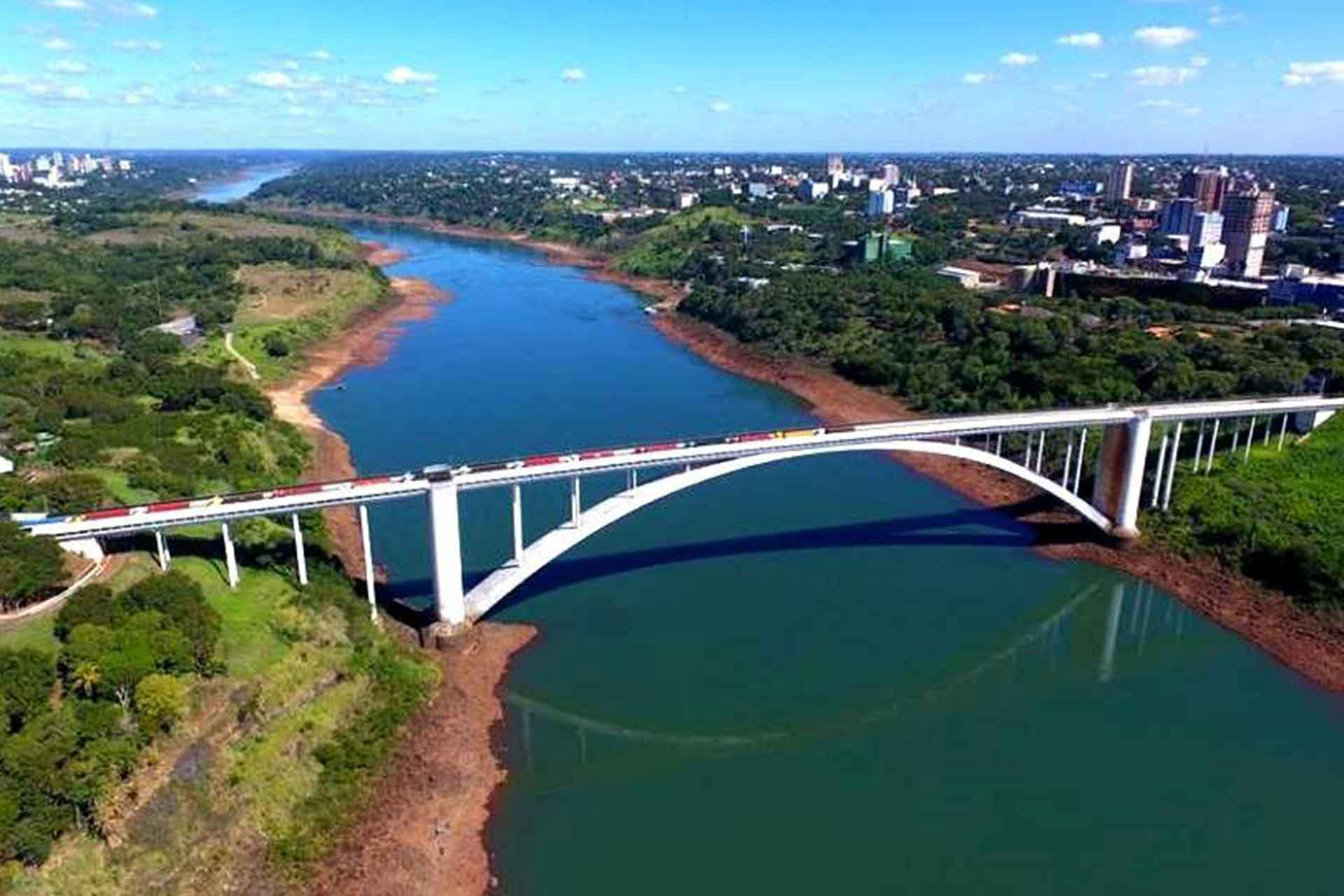 PARAGUAY: Reopens The Friendship Bridge
