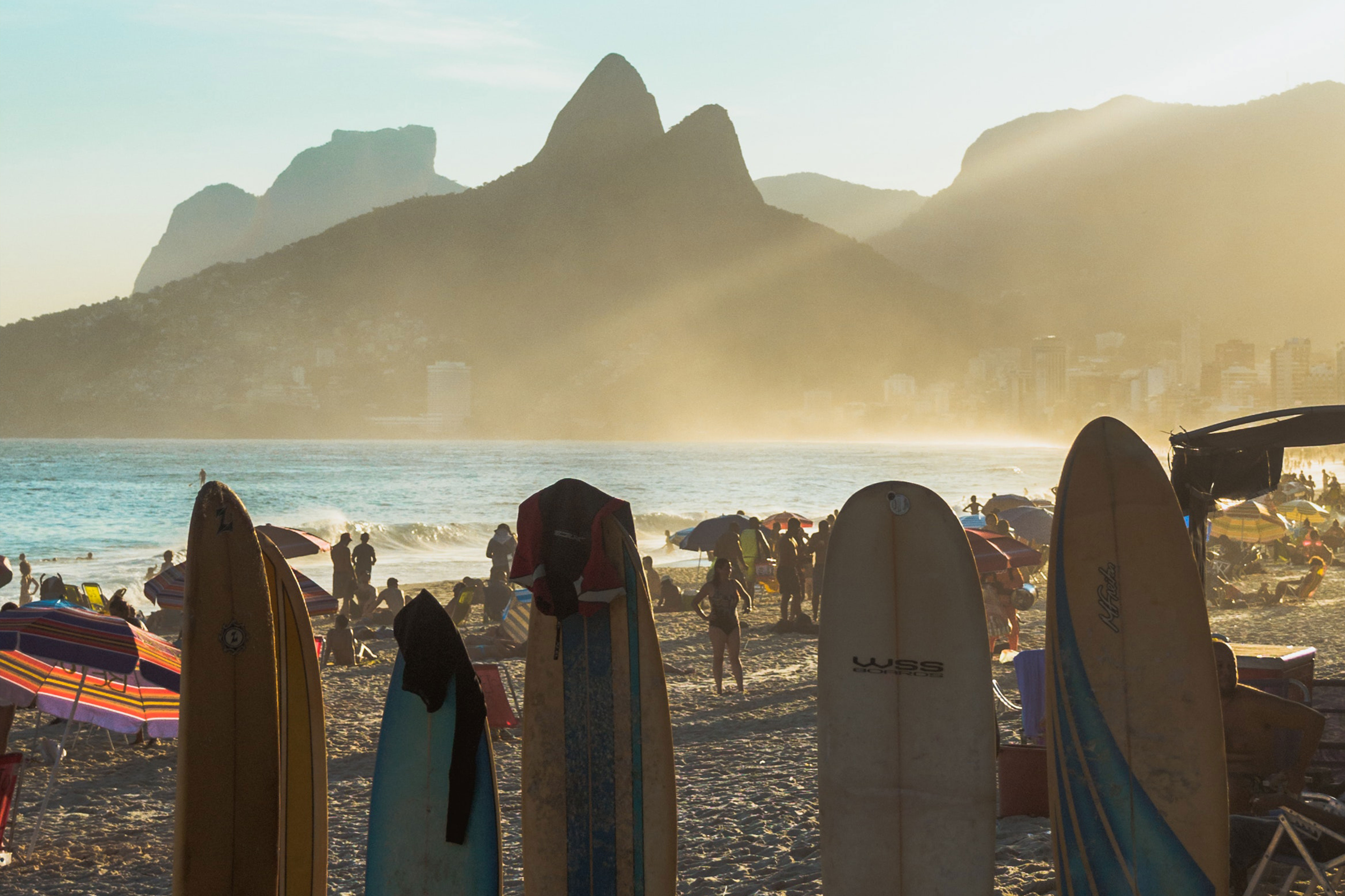 Brazil: Due to the Decrease in Infections, the Beaches of Rio de Janeiro Were Full During the Weekend