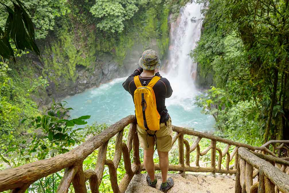 Vaccinated Tourists Can Enter Costa Rica Without Insurance